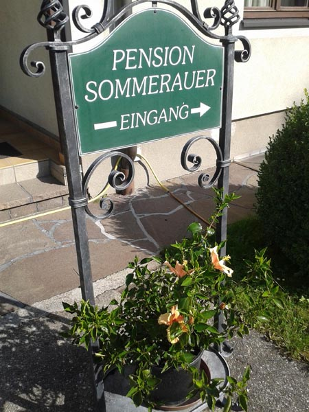 Pension-Sommerauer-Eingang